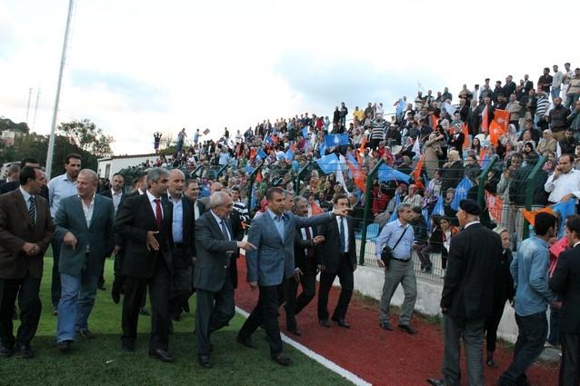 AK Parti'nin açılışı mitinge dönüştü galerisi resim 9