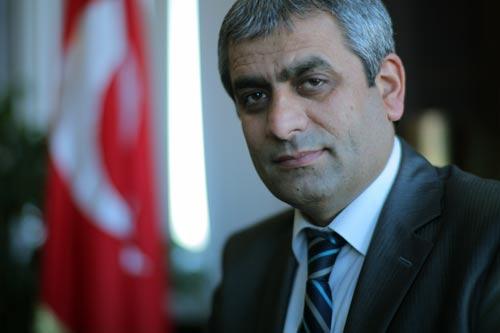 huseyin_ozdemir_ak_parti_sariyer_ilce_baskani_607102605.jpg
