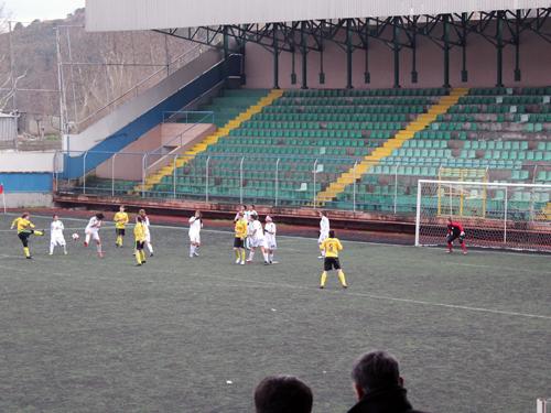 kirecburnnu_kiz_futbol_takimi3.jpg
