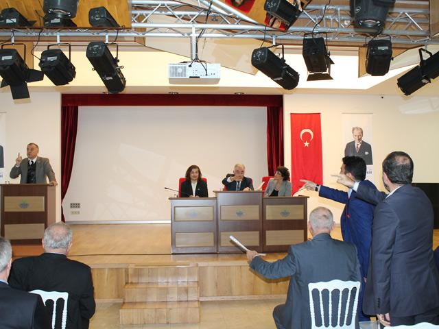 sariyer-belediye-meclisi-001.jpg