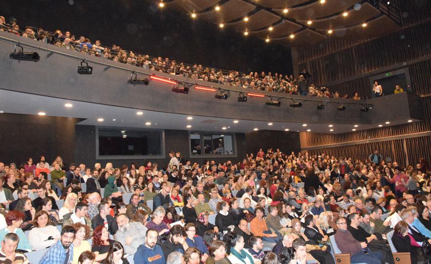tiyatroda4-001.jpg